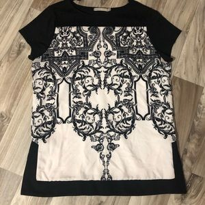 Women's black and white Top